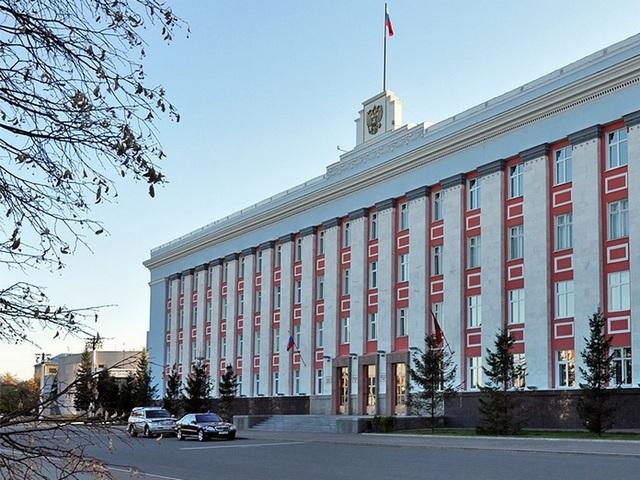 Жители Алтайского края могут проконсультироваться со специалистами регионального Министерства образования и науки